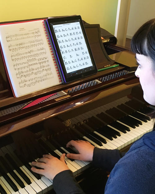 Piano lessons for adults in Sydney